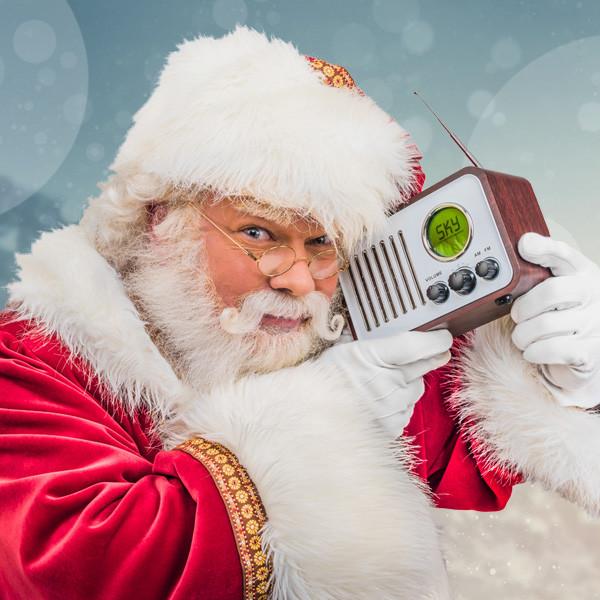 kerstman_met_radio-190